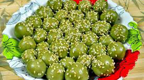 Can Tho cake festival offers sweet way to celebrate spring, travel news, Vietnam guide, Vietnam airlines, Vietnam tour, tour Vietnam, Hanoi, ho chi minh city, Saigon, travelling to Vietnam, Vietnam travelling, Vietnam travel, vn news