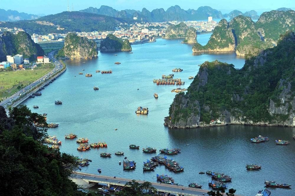 Ha Long Bay - wonder of nature