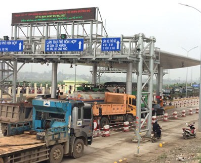 Phu Tho: People obstruct toll station to protest 'high' tolls, social news, vietnamnet bridge, english news, Vietnam news, news Vietnam, vietnamnet news, Vietnam net news, Vietnam latest news, vn news, Vietnam breaking news