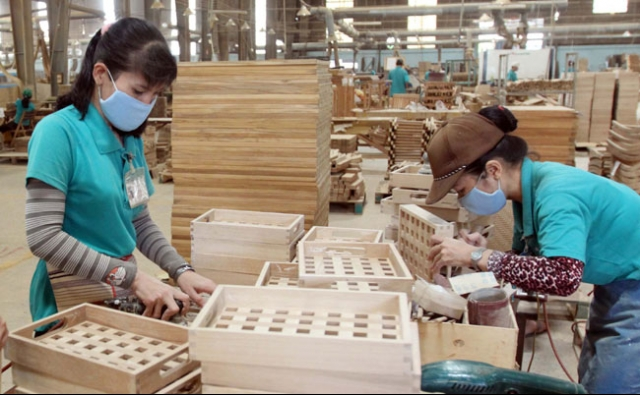 2017 wood & wooden product exports tipped to reach $8 billion, vietnam economy, business news, vn news, vietnamnet bridge, english news, Vietnam news, news Vietnam, vietnamnet news, vn news, Vietnam net news, Vietnam latest news, Vietnam breaking news