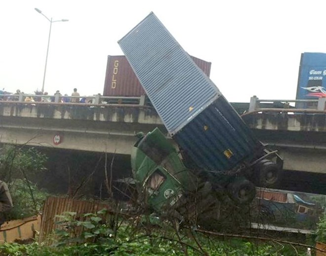 Four road accidents leave 8 dead at weekend, social news, vietnamnet bridge, english news, Vietnam news, news Vietnam, vietnamnet news, Vietnam net news, Vietnam latest news, vn news, Vietnam breaking news