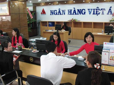 Some banks in Vietnam enter new rate race