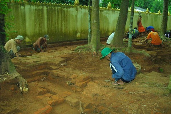Excavation affirms scientific value of Tra Vinh's ancient pagoda