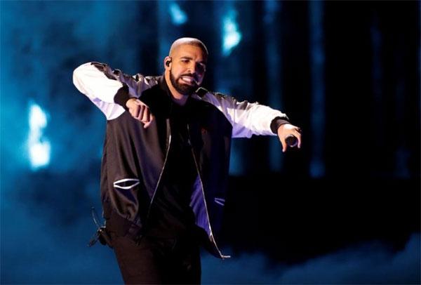 Drake ends Sheeran's Billboard 200 reign, smashes streaming record