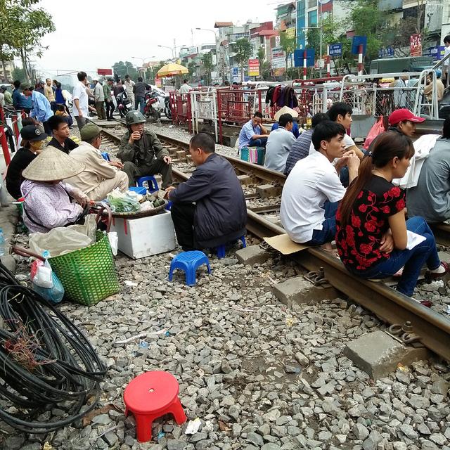 Terrifying train track market in Hanoi
