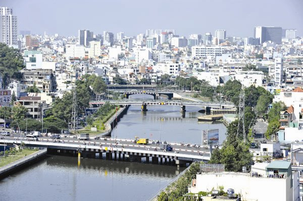 Floating parking lots on rivers and canals: Hanoi mulls plan