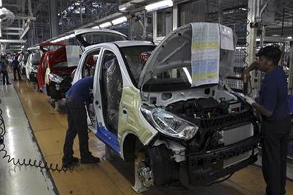 Online bargain app launched, CBU auto imports from India leap, Ministry proposes legal corridor to develop organic farming, Vietnamese increasingly prefer electronic payments, Samsung records impressive 2016 growth