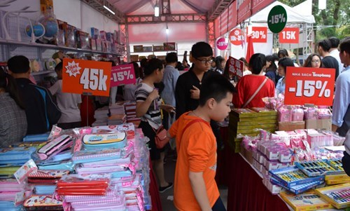 Fourth Vietnam Book Day opens in Hanoi, entertainment events, entertainment news, entertainment activities, what's on, Vietnam culture, Vietnam tradition, vn news, Vietnam beauty, news Vietnam, Vietnam news, Vietnam net news, vietnamnet news, vietnamnet b