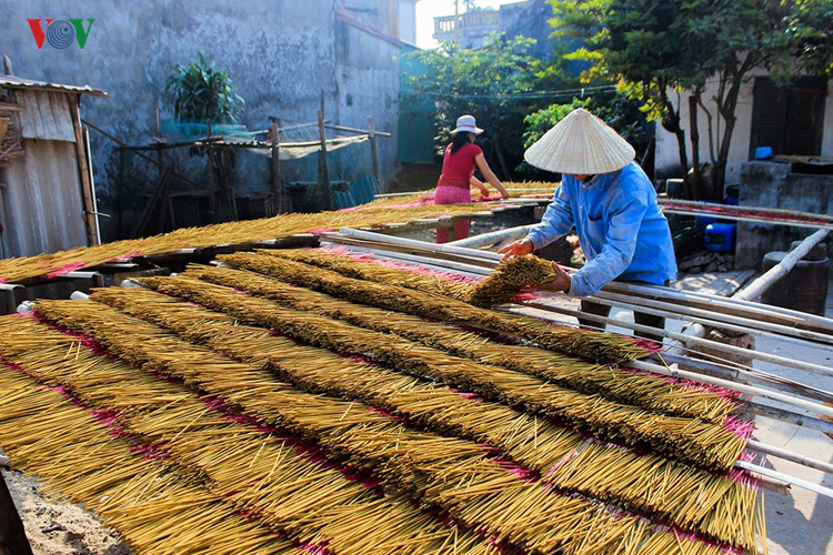 A visit to the incense-making village of Hung Yen