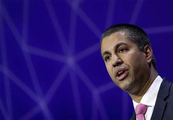 FCC chair, cellphone use in air, allow