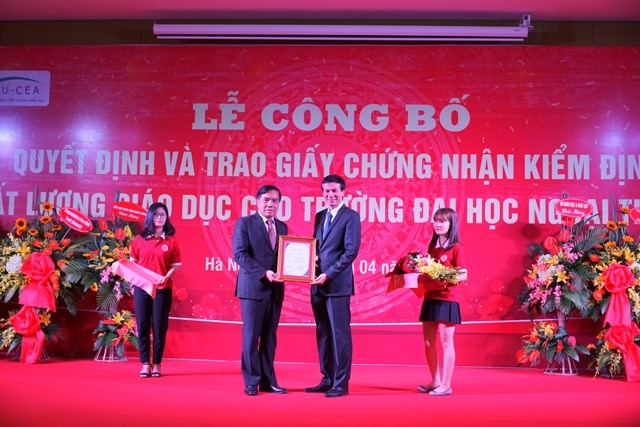 Foreign Trade University gets education accreditation certificate, social news, vietnamnet bridge, english news, Vietnam news, news Vietnam, vietnamnet news, Vietnam net news, Vietnam latest news, vn news, Vietnam breaking news