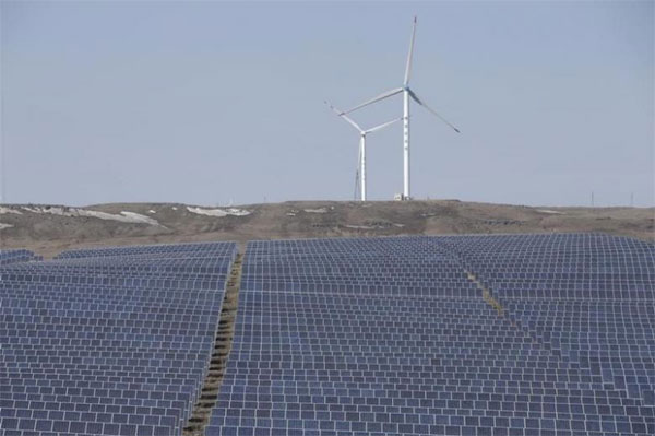 China, solar, wind, attract investment