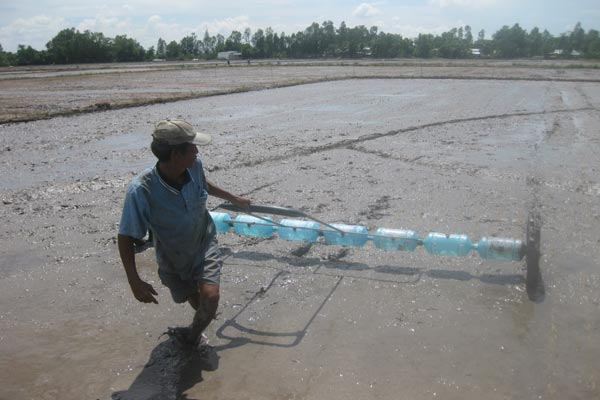 Farmers in Mekong Delta reserve fresh water for coming drought, environmental news, sci-tech news, vietnamnet bridge, english news, Vietnam news, news Vietnam, vietnamnet news, Vietnam net news, Vietnam latest news, Vietnam breaking news, vn news
