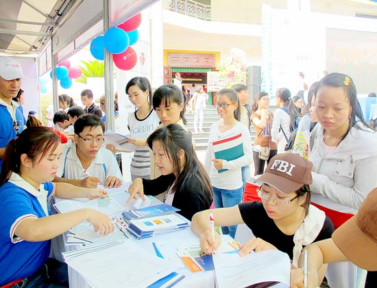 Two third graduates prefer working in state sectors, social news, vietnamnet bridge, english news, Vietnam news, news Vietnam, vietnamnet news, Vietnam net news, Vietnam latest news, vn news, Vietnam breaking news