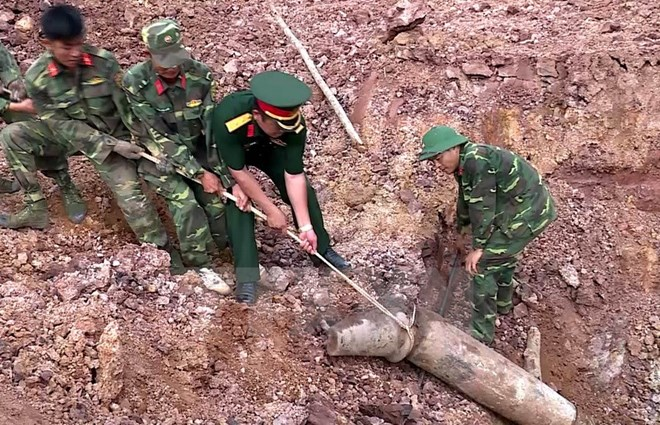 Quang Tri unearths 240-kg bomb, social news, vietnamnet bridge, english news, Vietnam news, news Vietnam, vietnamnet news, Vietnam net news, Vietnam latest news, vn news, Vietnam breaking news