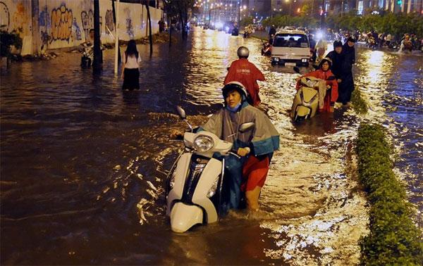 HCM City, flood projects, seeks funds, Vietnam economy, Vietnamnet bridge, English news about Vietnam, Vietnam news, news about Vietnam, English news, Vietnamnet news, latest news on Vietnam, Vietnam
