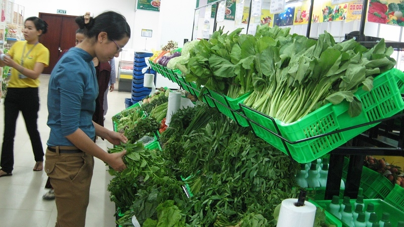 Vietnamese consumers willing to pay more for safe foods: survey, social news, vietnamnet bridge, english news, Vietnam news, news Vietnam, vietnamnet news, Vietnam net news, Vietnam latest news, vn news, Vietnam breaking news