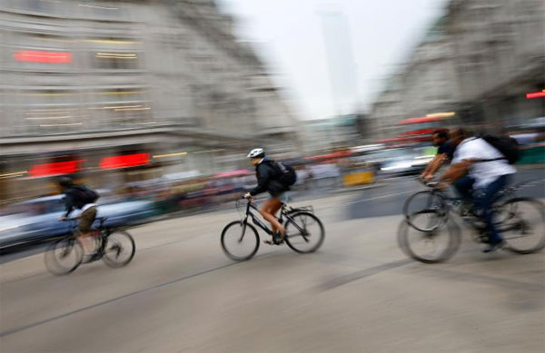 Cycling to work, health benefits, reducing rates of chronic disease, reduce air pollution