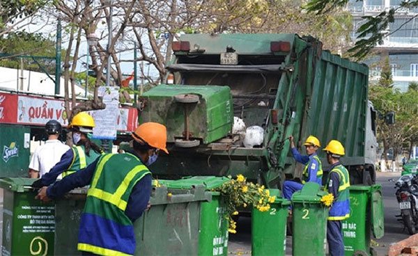 HCM City, overloaded dumps, garbage collection stations, Vietnam economy, Vietnamnet bridge, English news about Vietnam, Vietnam news, news about Vietnam, English news, Vietnamnet news, latest news on Vietnam, Vietnam