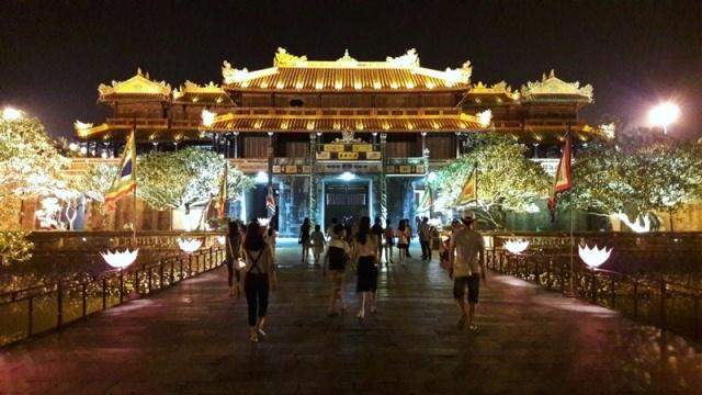 Hue kicks off golden tourism week at Hue Heritage Site