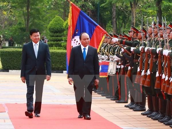 Lao media: PM Phuc's visit to elevate Vietnam-Laos ties