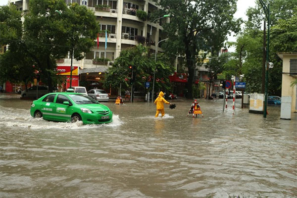 Flooding hotpots galore, Hanoi warned - News VietNamNet