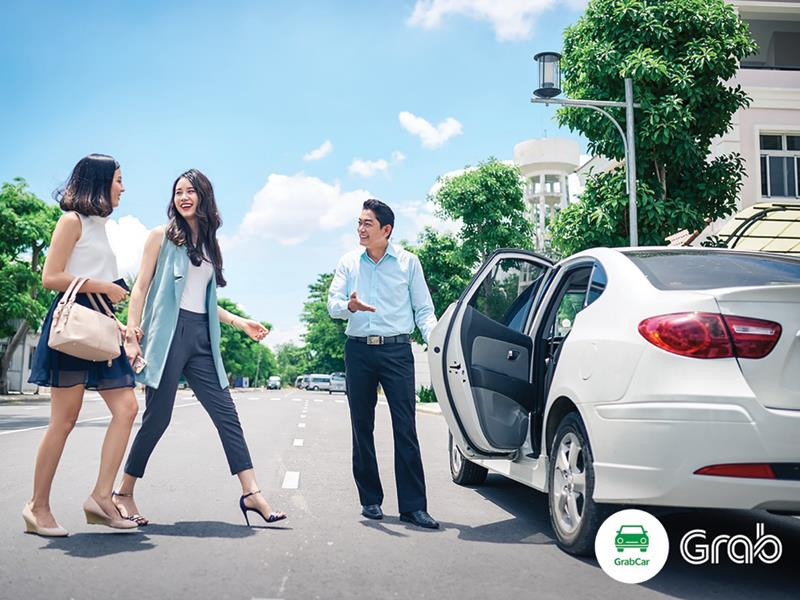 Mai Linh and Vinasun trailing behind Grab and Uber - News VietNamNet