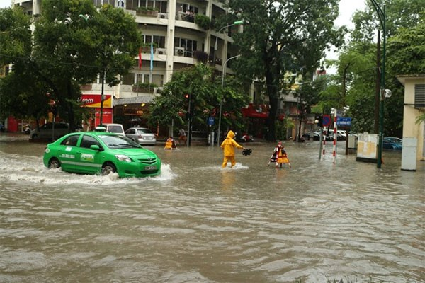 Hanoi's flooding hotpots galore, officials warn, social news, vietnamnet bridge, english news, Vietnam news, news Vietnam, vietnamnet news, Vietnam net news, Vietnam latest news, vn news, Vietnam breaking news