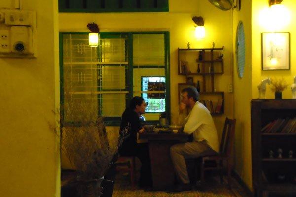 A café with a Hoi An-style ambience in Saigon, travel news, Vietnam guide, Vietnam airlines, Vietnam tour, tour Vietnam, Hanoi, ho chi minh city, Saigon, travelling to Vietnam, Vietnam travelling, Vietnam travel, vn news