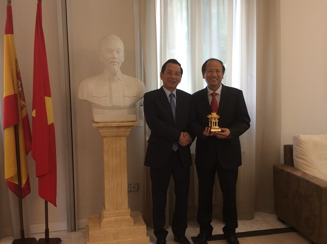 Hanoi's front officials visit Switzerland and Spain, Government news, Vietnam breaking news, politic news, vietnamnet bridge, english news, Vietnam news, news Vietnam, vietnamnet news, Vietnam net news, Vietnam latest news, vn news