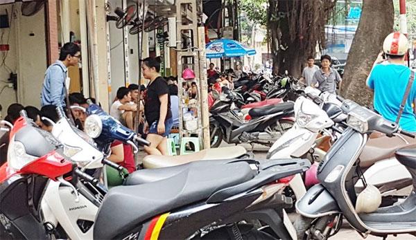 Pavement encroachment, violators, fine, Vietnam economy, Vietnamnet bridge, English news about Vietnam, Vietnam news, news about Vietnam, English news, Vietnamnet news, latest news on Vietnam, Vietnam