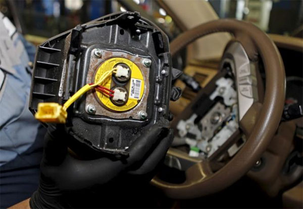 Takata airbag inflators, automakers, recalled vehicles, settle claims