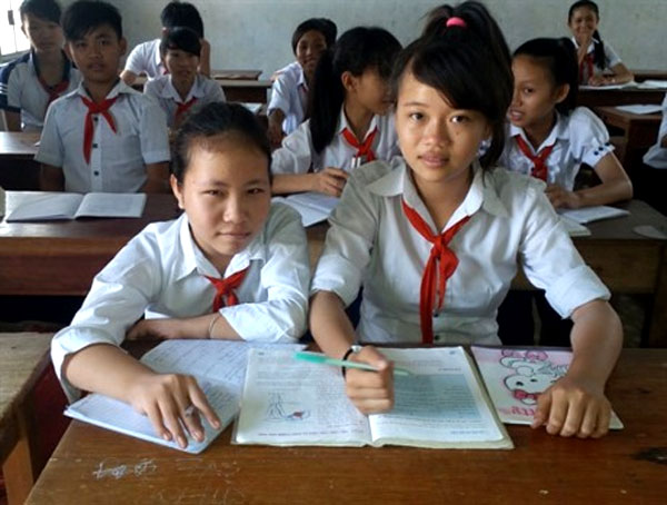 Unable to use her legs, physical disability, help with homework, Vietnam economy, Vietnamnet bridge, English news about Vietnam, Vietnam news, news about Vietnam, English news, Vietnamnet news, latest news on Vietnam, Vietnam