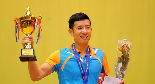 Dinh Quang Linh wins table tennis title for third time
