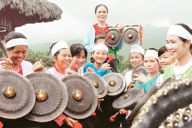 The sound of gongs in Ba Vi