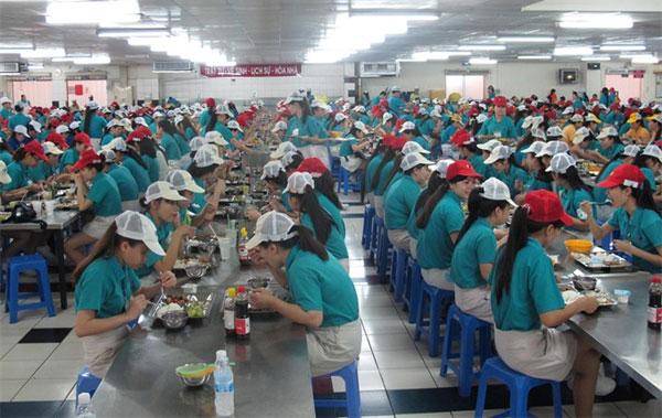 Underpaid labourers, work overtime, Vietnam economy, Vietnamnet bridge, English news about Vietnam, Vietnam news, news about Vietnam, English news, Vietnamnet news, latest news on Vietnam, Vietnam