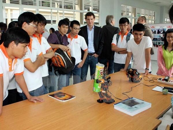 Mekong Delta students get German state's scholarships