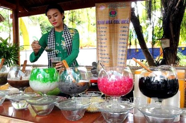 HCM City hosts southern food, fruit fests