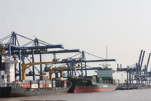 HCM City economy still on track to achieve targets