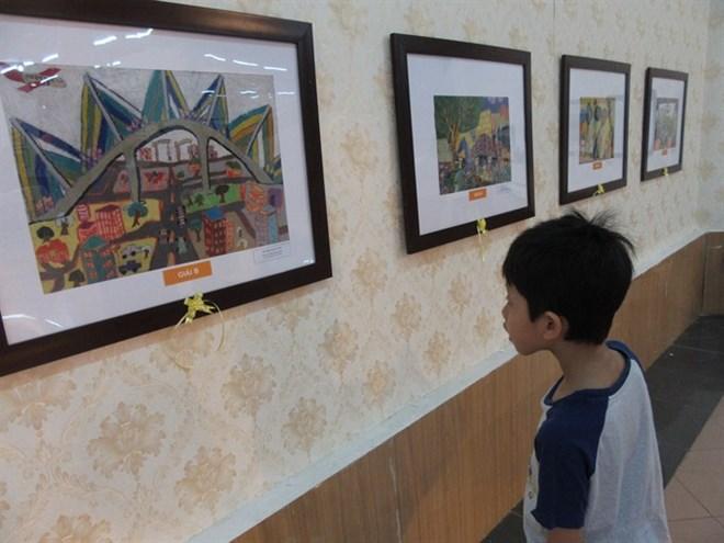 Kids' art goes on display in Hanoi