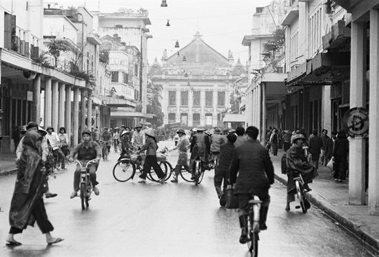 Hanoi Opera House – Luxurious fire escapes of those days