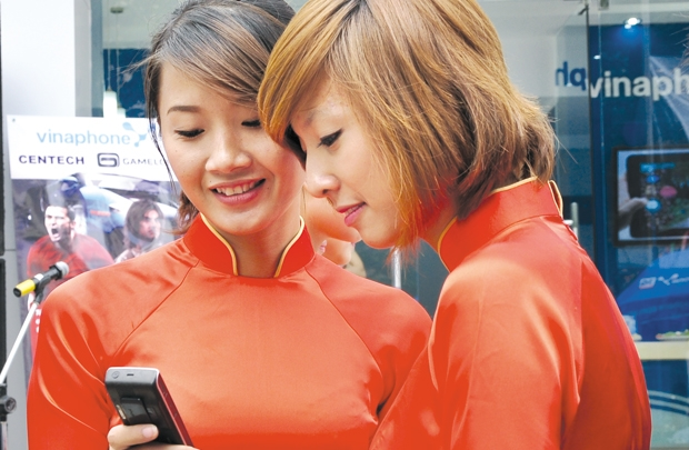 vietnam economy, business news, vn news, vietnamnet bridge, english news, Vietnam news, news Vietnam, vietnamnet news, vn news, Vietnam net news, Vietnam latest news, Vietnam breaking news, smartphone, BPhone, feature phone