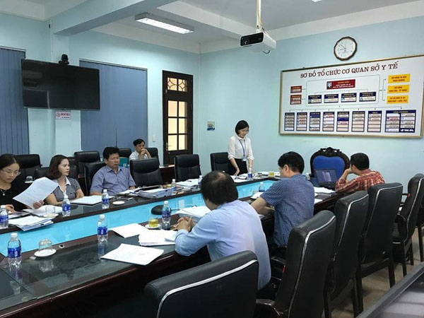 Hoa Binh General Hospital, eight dialysis deaths, Hospital director suspended, Vietnam economy, Vietnamnet bridge, English news about Vietnam, Vietnam news, news about Vietnam, English news, Vietnamnet news, latest news on Vietnam, Vietnam