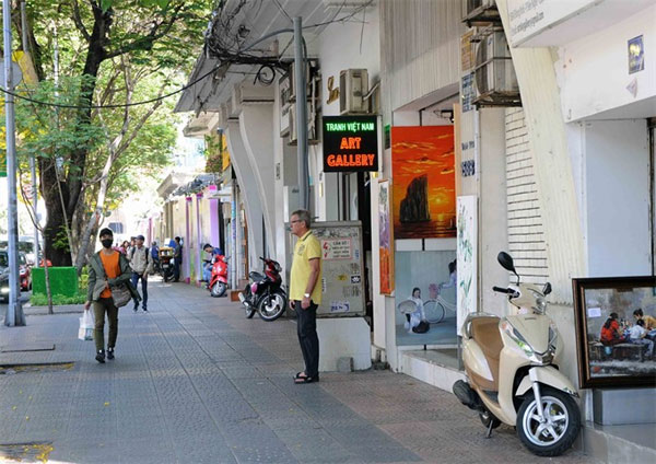 Pavement use fee, street vendor, Vietnam economy, Vietnamnet bridge, English news about Vietnam, Vietnam news, news about Vietnam, English news, Vietnamnet news, latest news on Vietnam, Vietnam
