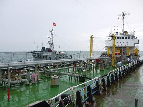 Fuel smuggling, Vietnamese waters, Vietnam economy, Vietnamnet bridge, English news about Vietnam, Vietnam news, news about Vietnam, English news, Vietnamnet news, latest news on Vietnam, Vietnam