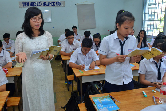 As number of students rises, HCM City hurries to recruit teachers