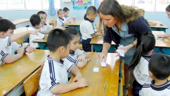 HCM City expands teaching maths, science in English