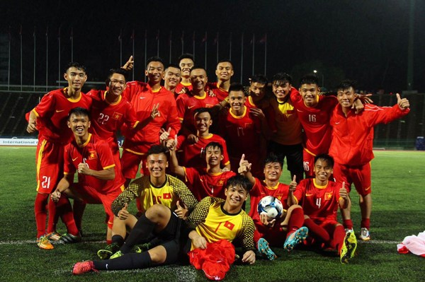Friendly match marks Vietnam-Cambodia diplomatic ties