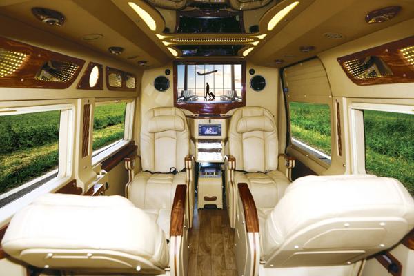 VCAR – Vietnam Limousine for the Southeast Asian market