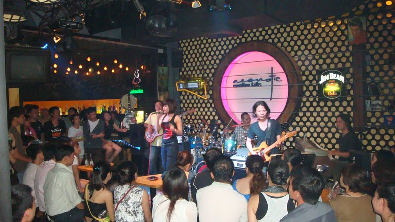 Saigon's best live music bars
